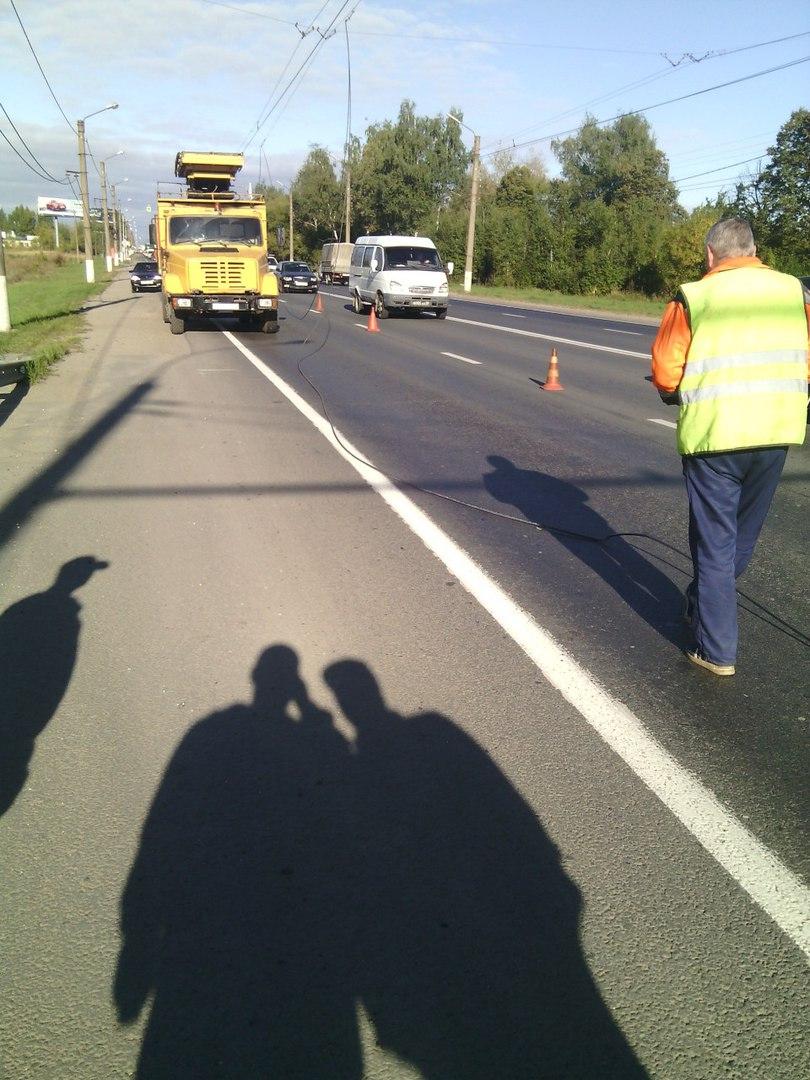 Оборванные провода троллейбуса повредили автомобиль в Рязани
