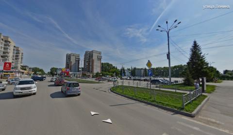 «Из-за таких, как ты, страдают водители»: чуть не задавили девочку на «зебре» в Бердске