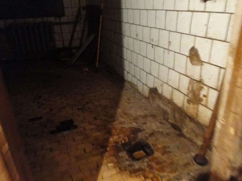 Жильцы аварийного дома на Крупской — Боимся оказаться погребенными заживо