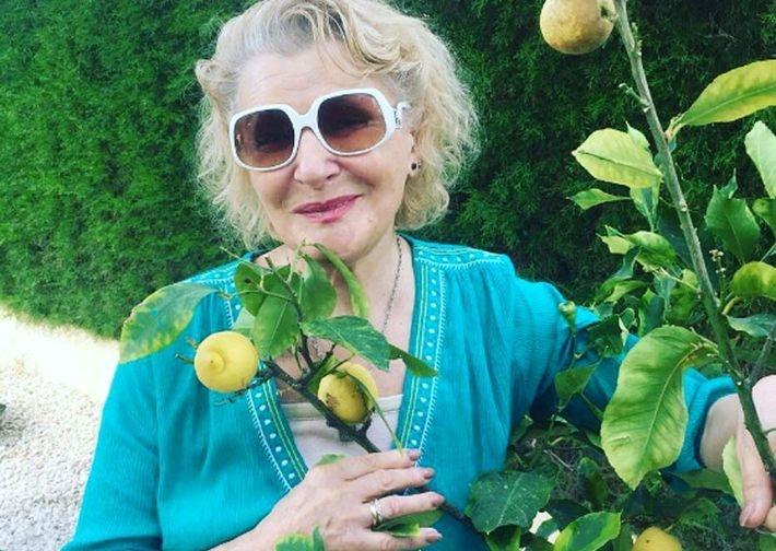 81-летняя Светлана Дружинина в купальнике поразила фигурой