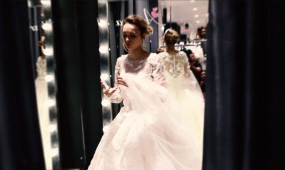 Шикарная Шурыгина продемонстрировала свое свадебное платье
