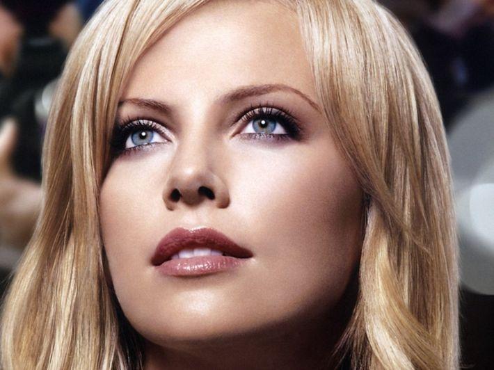 10 обладательниц самых красивых глаз
