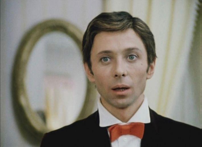 20 самых красивых советских актеров