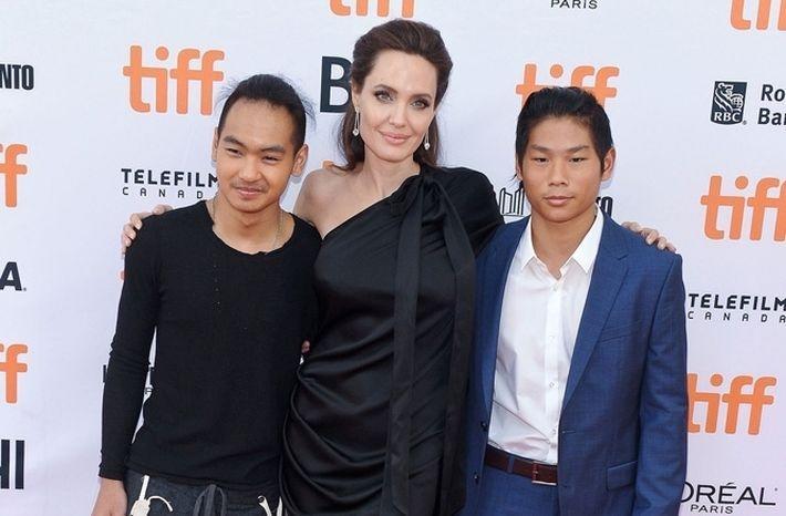 В семье Джоли и Питта случилась беда