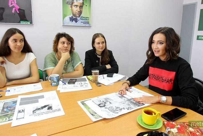 Ольга Бузова возглавила работу редакции известной газеты