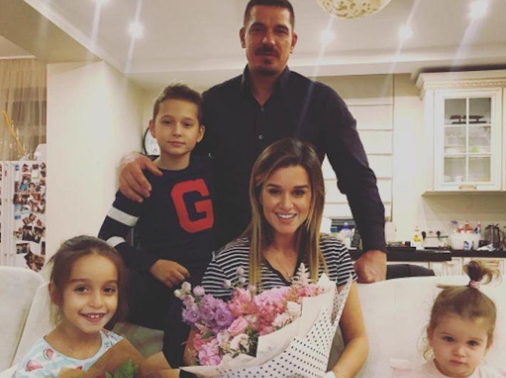 Ксения Бородина не дает мужа в обиду