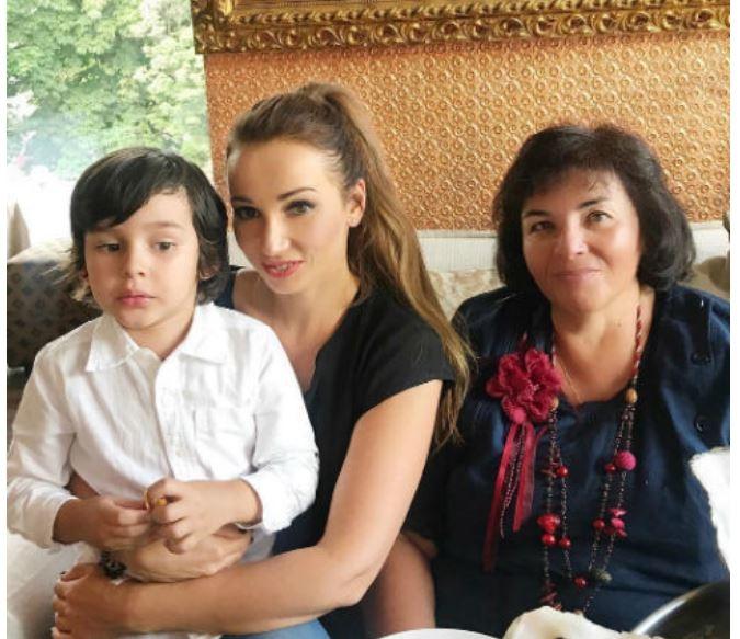 Мама Анфисы Чеховой недовольна поведением экс-мужа дочери