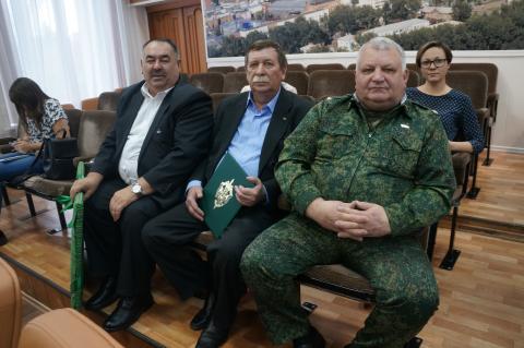 187 звонков принял в день рождения бердский депутат Некрасов