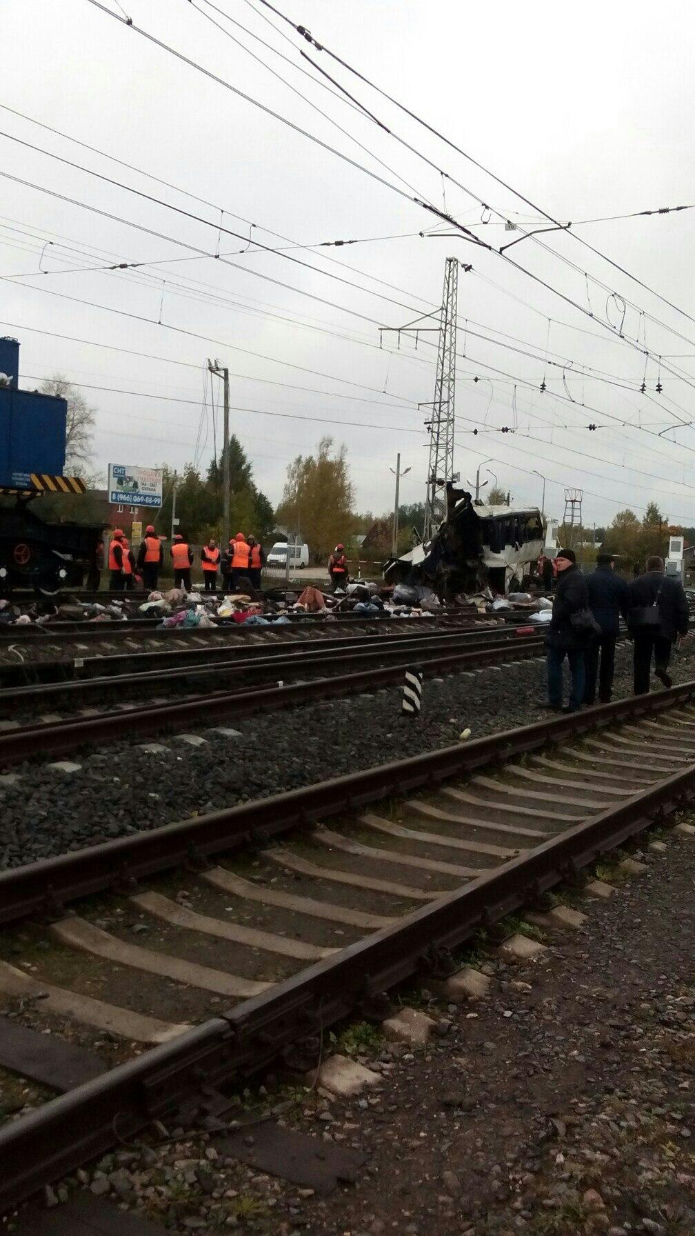 ДТП поезда и автобуса под Владимиром, 19 погибших - все что известно на данный момент