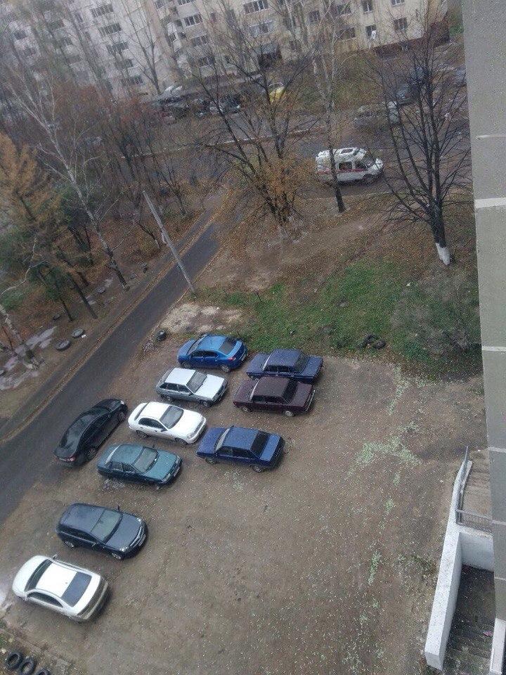 В Рязани у жителей 16-этажного дома «отобрали» парковочные места