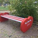 Волонтёры МТС поставили скамейки в больничном городке Новосибирска