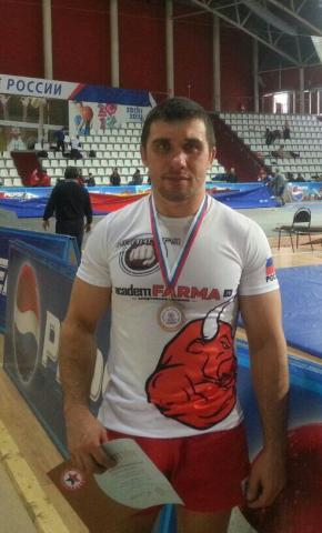 Бердчанин завоевал бронзу на чемпионате России по самбо в Москве