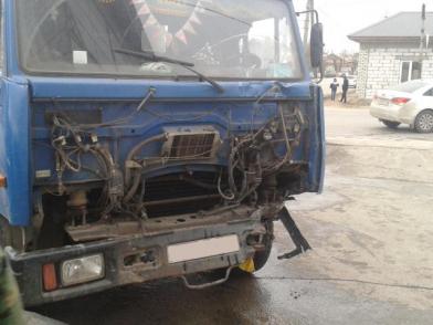 В Скопине мусоровоз столкнулся с Шевроле, есть пострадавшие