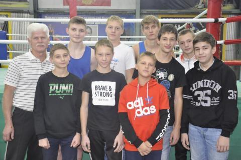 16 бердских боксёров стали призёрами регионального турнира