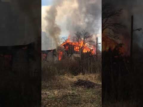 Пожар в микрорайоне Канищево: появилось еще одно видео