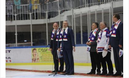 Искитимской «Арене-300» дали имя легендарного хоккеиста Алексея Касатонова
