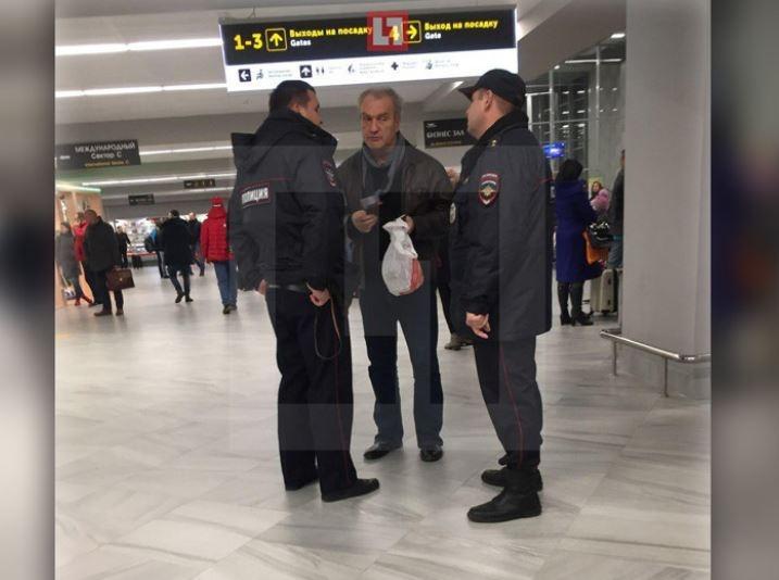 Актёр Александр Балуев был снят с рейса в Калининграде