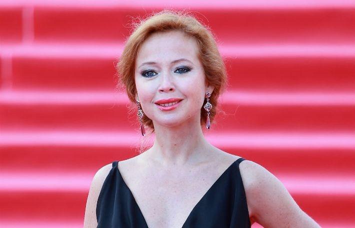 Беременная Елена Захарова готовится к рождению ребенка и замужеству