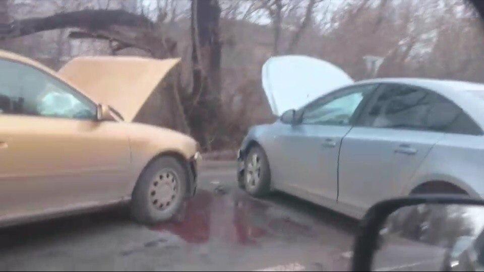 В Дашково-Песочне столкнулись две иномарки