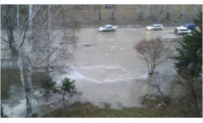 Из—за аварии на водосетях без воды осталась половина Бердска