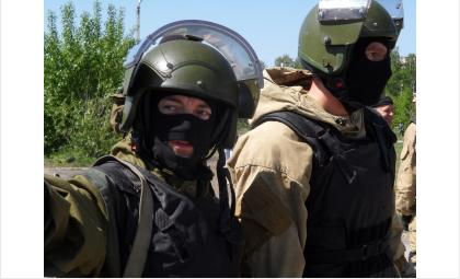 ФСБ: Производили наркотики в лаборатории в Искитимском районе