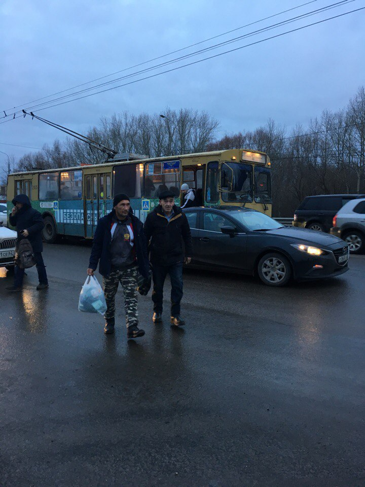 ДТП на Московском шоссе - троллейбус столкнулся с легковушкой