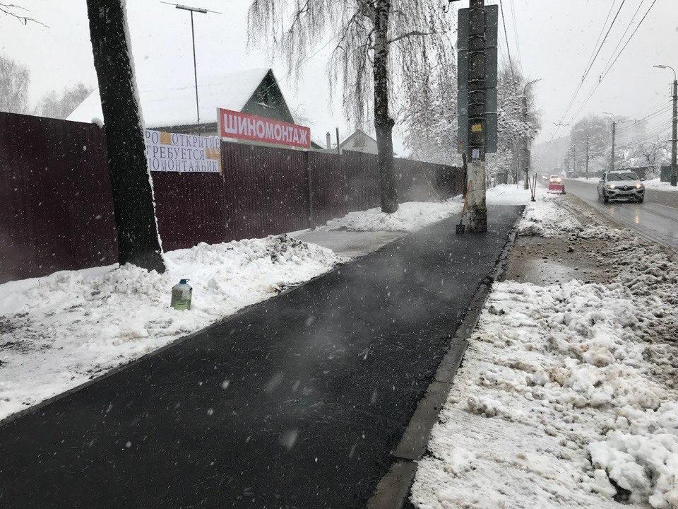 Горячий асфальт под снегом — по всей Рязани замечены экстренные работы