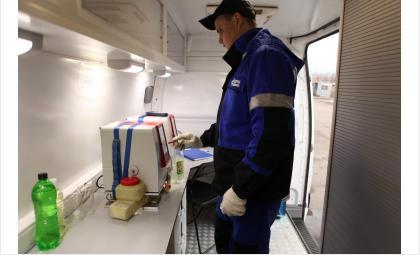 100 проб бензина — сибирские автомобилисты проверили топливо на АЗС