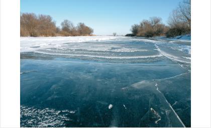 Опасно: МЧС призывает бердчан не выходить на первый лёд