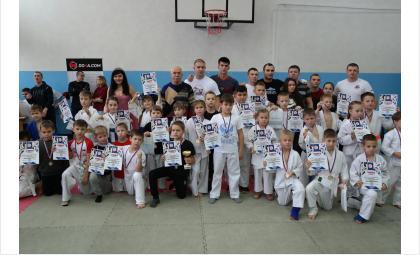 Первое командное место по рукопашному бою завоевал КСЕ «Бердск»