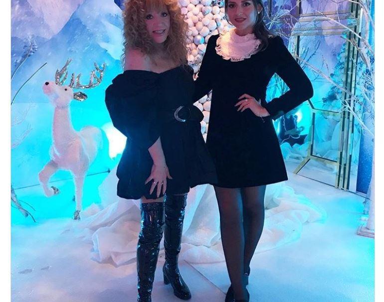 Пугачева поразила коротким платьем
