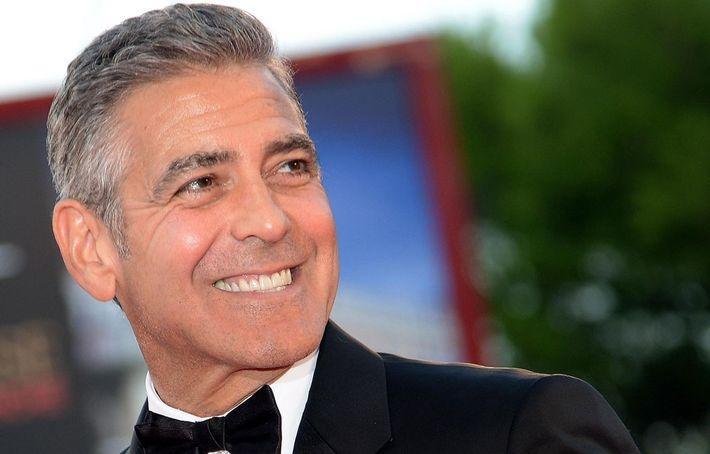 Джордж Клуни раздал близким друзьям по миллиону долларов