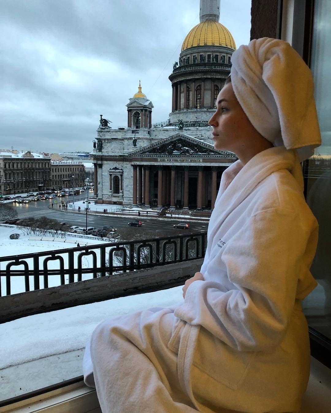 Фото Полины Гагариной из Питера обеспокоило поклонников
