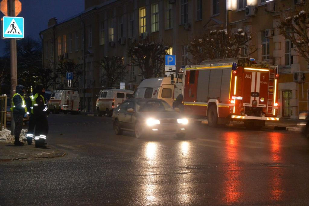 Здание администрации города Рязани все еще оцеплено
