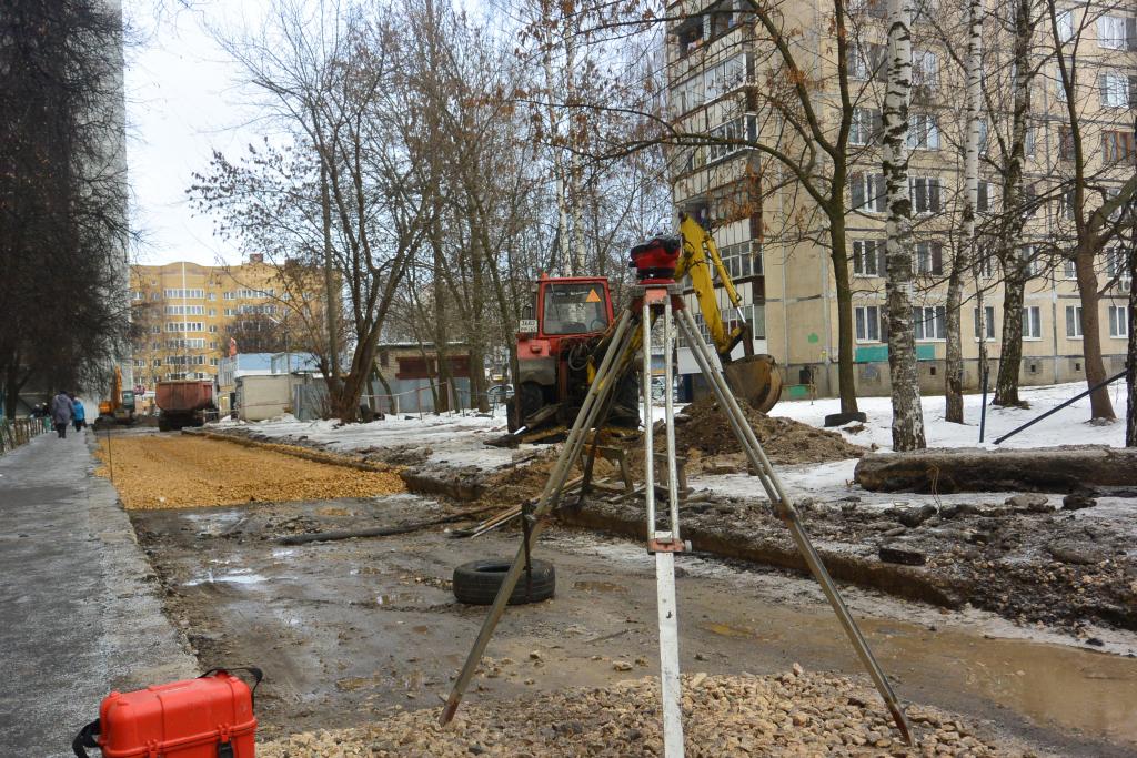 Рязанские рабочие рассказали как они укладывают асфальт