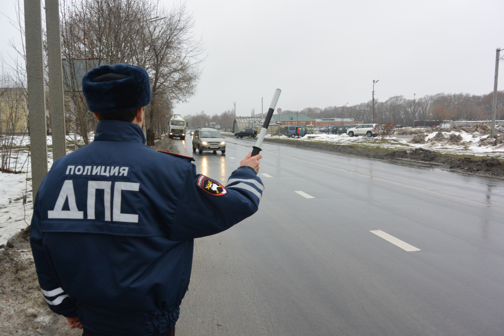 В Рязани десятки мелких ДТП происходят из-за болтовни по телефону